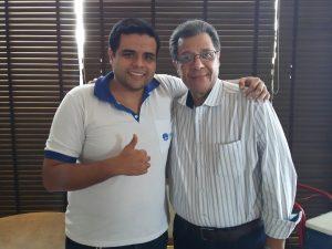 Danilo Teixeira, proprietário da Farmácia Dr. Popular, ao lado do presidente da Ascoferj, Luis Carlos Marins